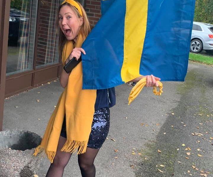 Svenske Flaggans Dag? Neida, bare konsert med Greåker Musikkorps :) Her illustrert ved vår hornist Vigdis.